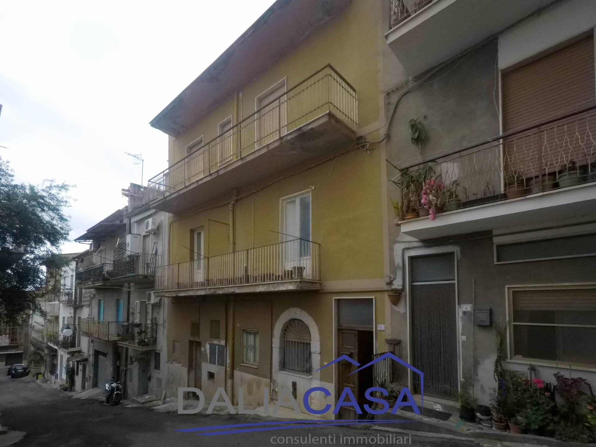 Casa indipendente da ristrutturare a Castelforte