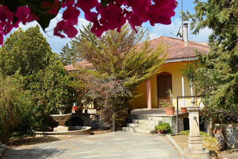 Villa con giardino via scarlatti Noto