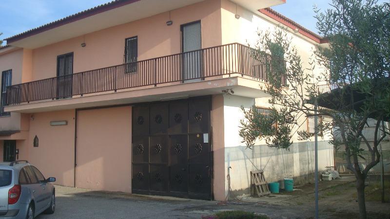 Casa Indipendente in vendita Rif. 10353809