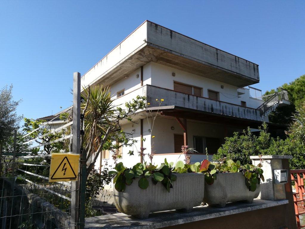 Villa in vendita, Martinsicuro villa rosa