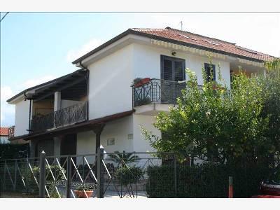 Appartamento in vendita Rif. 9853195