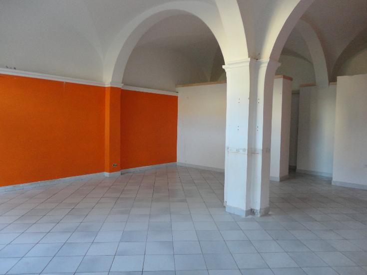 Affitto negozio a Certaldo