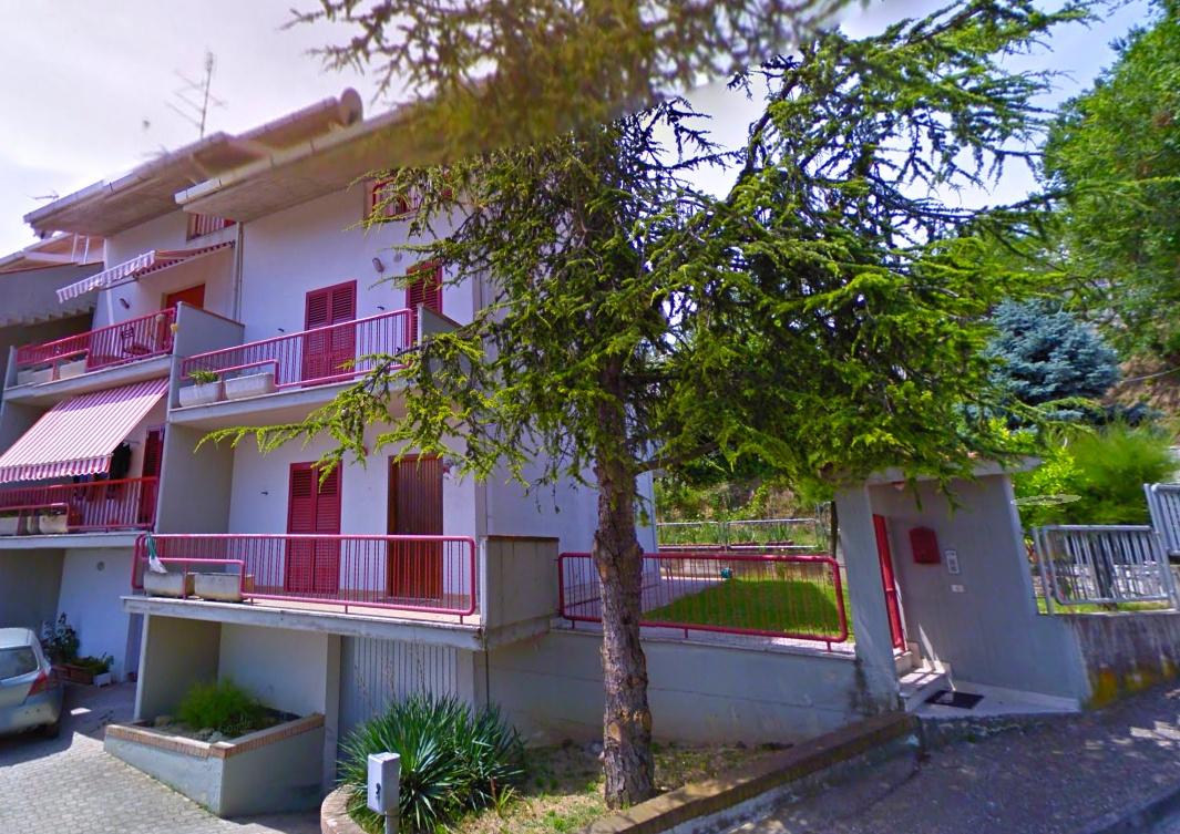 Villa con box doppio, Acquaviva Picena quercia