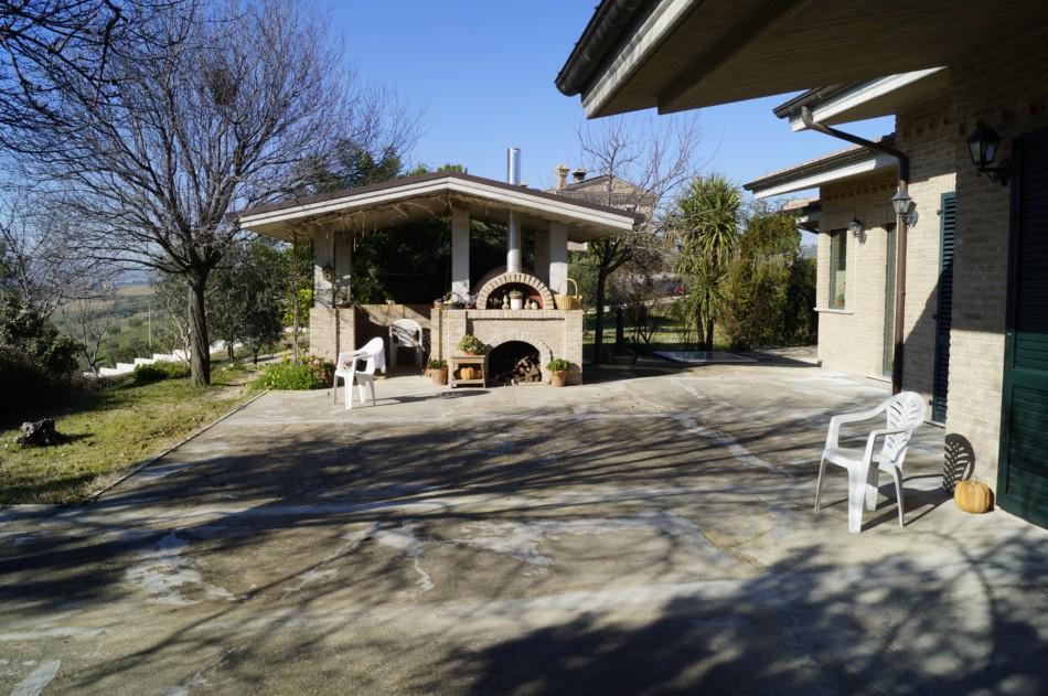 Villa con terrazzo a Monteprandone