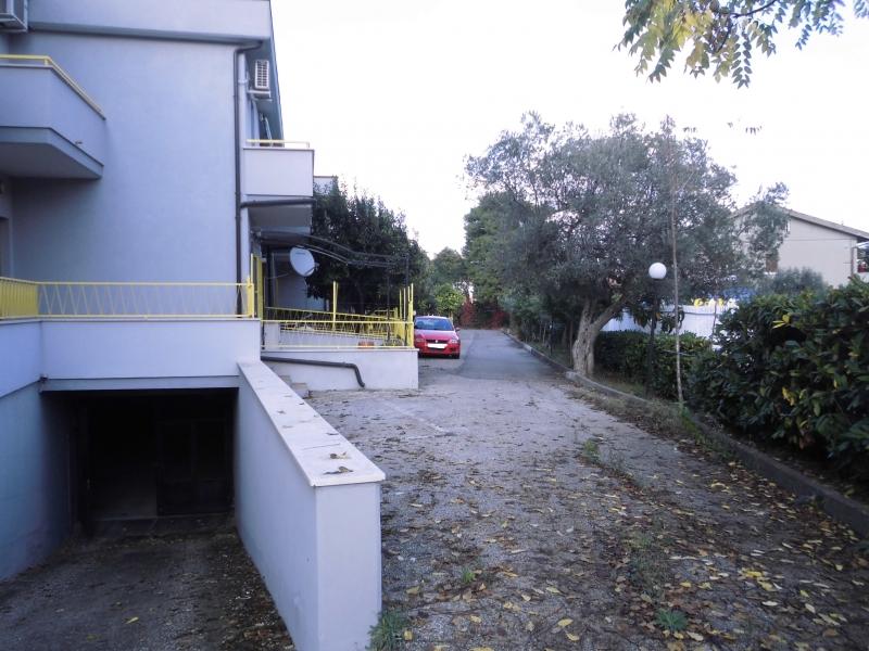 Box/Garage 22mq in vendita a Vasto