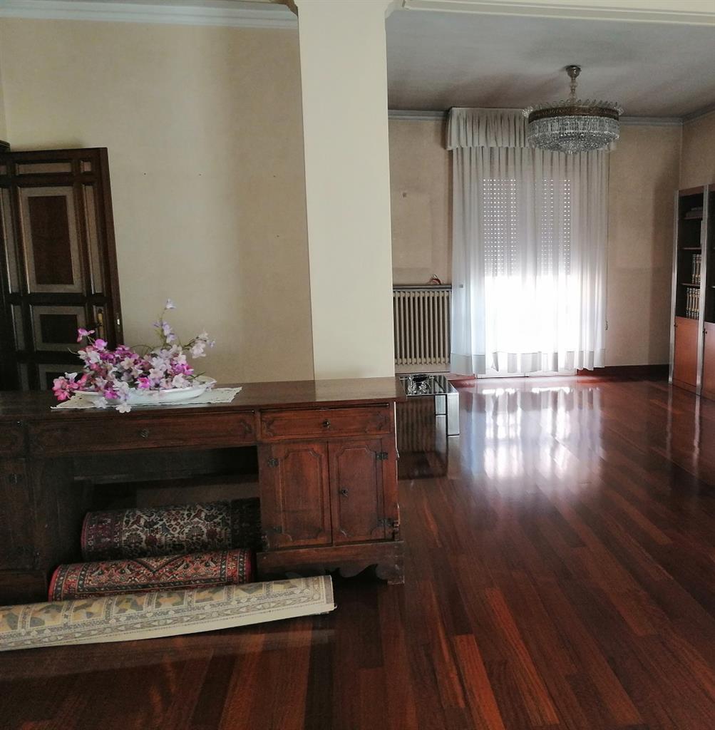 Appartamento in vendita Rif. 9909938
